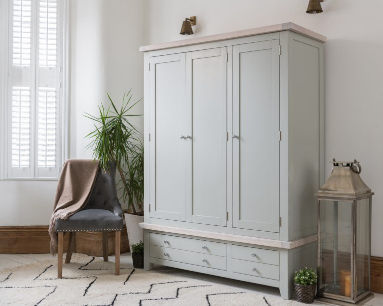 Hampshire Light Grey With Chalked Oak Tops 3 Door Triple Wardrobe with Drawers