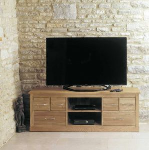 Baumhaus Mobel Oak Widescreen TV Cabinet