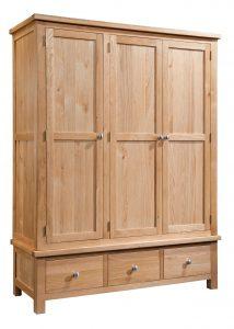 Devonshire Dorset Oak 3 Door Triple Wardrobe With 3 Drawers