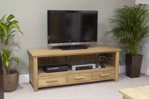 Homestyle Opus Solid Oak 3 Drawer Plasma TV Unit | Fully Assembled