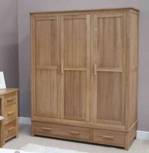 Homestyle Opus Solid Oak 3 Door Triple Wardrobe with 2 Drawers