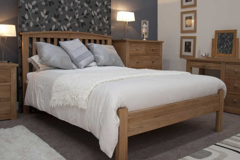 Homestyle Opus Solid Oak Arched 5′ King Size Bed
