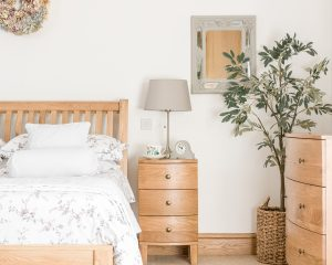 Dakota Oak 3 Drawer Bedside Cabinet | Fully Assembled