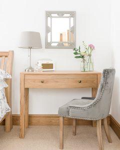 Dakota Oak 1 Drawer Dressing Table | Fully Assembled