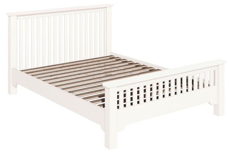 Classic Lily Painted White 5′ Chunky King Size Bed