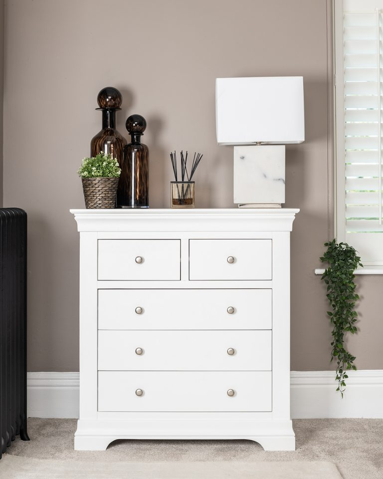 Windsor Painted White 2 Over 3 Chest   Fully Assembled
